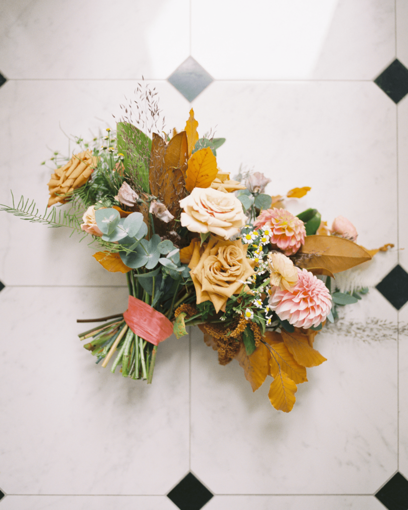 Corrie-and-Kevins-Fall-McAlister-Leftwich-House-Wedding-Kelsey-Nelson-Photography-Bouquet